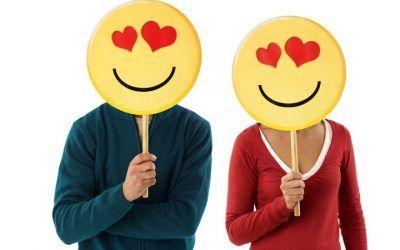 imagenes de emoticones para celular pareja enamorada