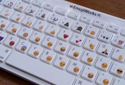 como poner emoticones con el teclado en facebook