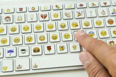 como poner emoticones con el teclado para facebook