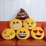 Imágenes De Emojis En Almohadas: Diversión En El Confort